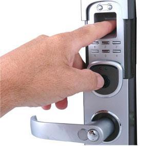 Hỏi đáp về khóa cửa vân tay?