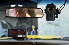 Nên lắp camera quan sát trong các xe taxi