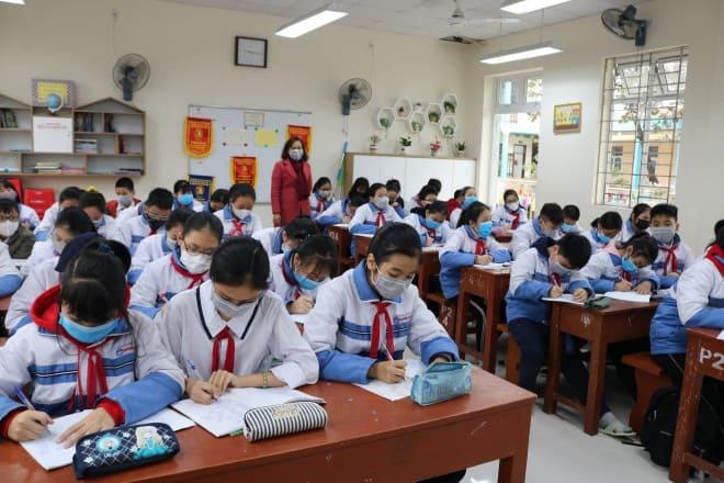 Giải Pháp Đo Thân Nhiệt Không Tiếp Xúc Trong Trường Học